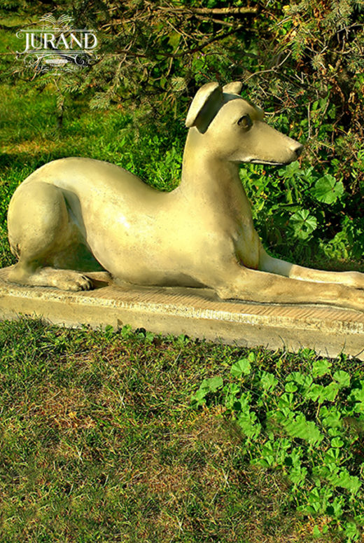 1585 Pies leżący