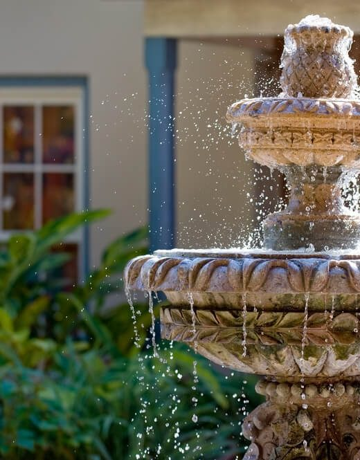 kamienne fontanny ogrodowe